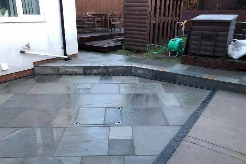 sawn-veruso-patio-paving