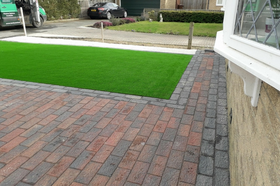 Lazylawn-artificial-lawn-prudhoe