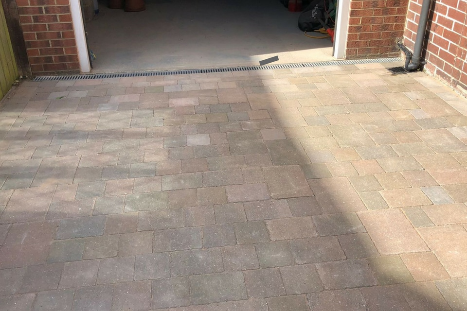Marshalls_block_paving-garage-view