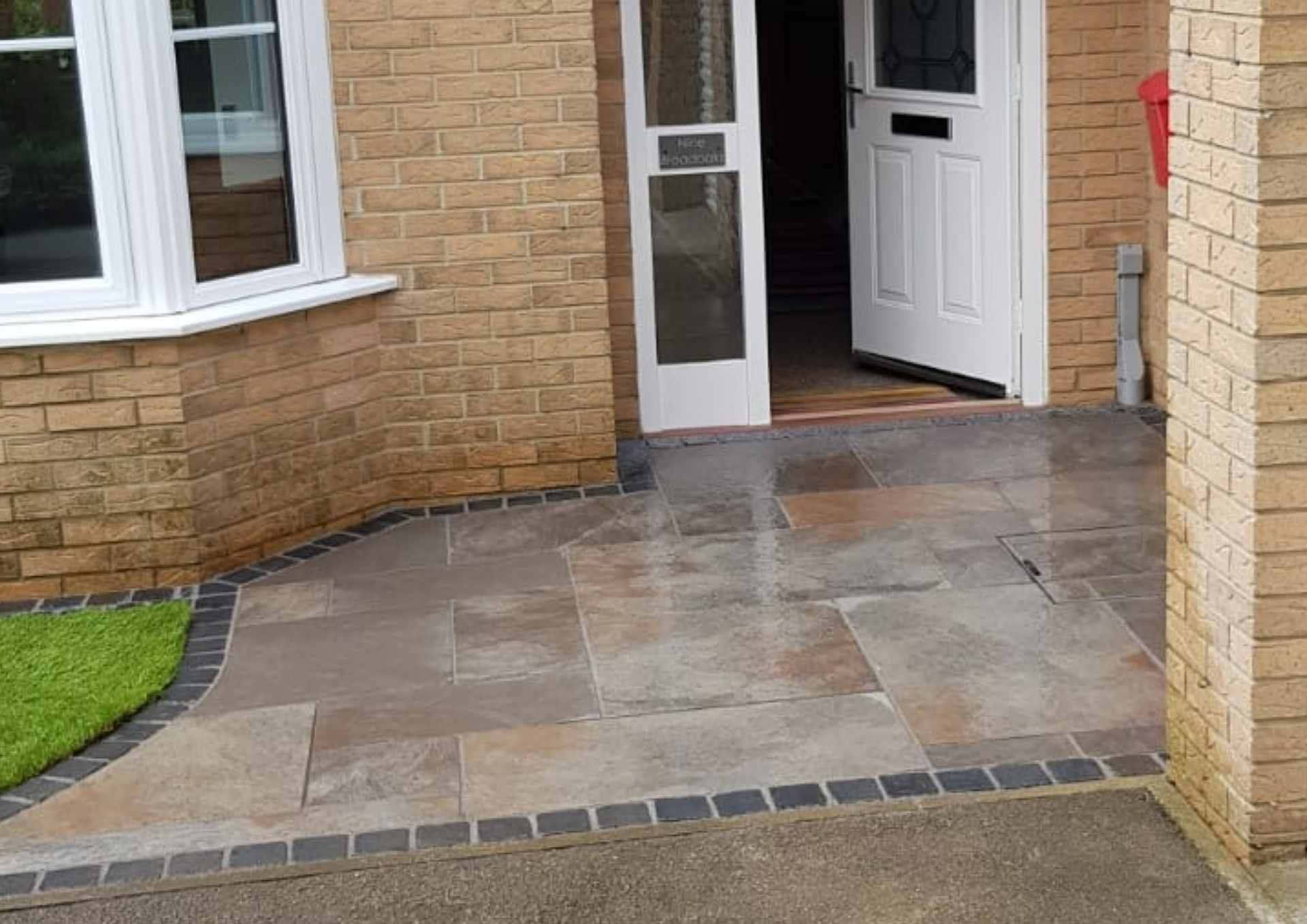 Stone-market-patio-paving