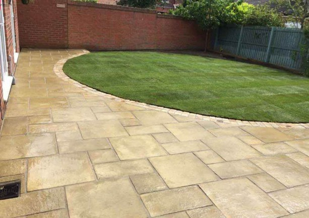 Natural Turf & Marshall Firedstone Paving